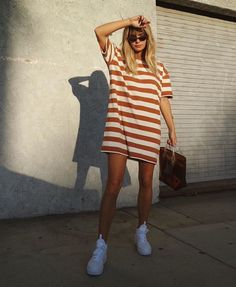 Sweet summer dress  Stylish outfit ideas for women who follow fashion.