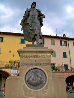 Statua di Giovanni da Verrazzano a Greve in Chianti Places In Italy, Places To Go, Old Town Italy, Chianti Classico, Toscana Italia, Under The Tuscan Sun, Italy Holidays, Travel Memories, Beautiful Places To Visit