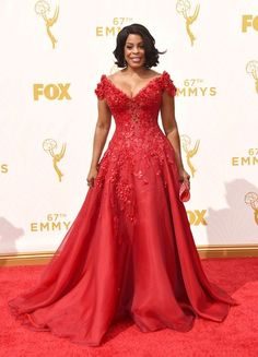 Niecy Nash in Mark Zunino at the 2015 Emmy Awards // See the rest of the celebrity looks from the red carpet: (http://www.racked.com/2015/9/20/9361887/emmy-red-carpet-2015#4836862)