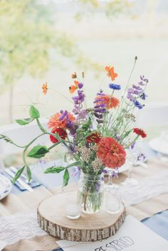 Pacific Northwest Farm Wedding Rustic Wedding Always aspired to learn how to knit, but not sure how to start? Church Wedding Flowers, Farm Wedding, Rustic Wedding, Wildflowers Wedding, Chic Wedding, Wildflower Wedding Bouquets, Wedding Trends, Garden Wedding, Wedding Reception