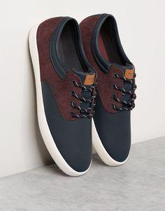 Zapatilla Combinada Hombre. Descubre ésta y muchas otras prendas en Bershka con nuevos productos cada semana
