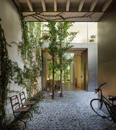Rehabilitación de una Vivienda en el casco histórico de Sevilla /Arquitectos:  González, Inmaculada Schönegger, Harald.