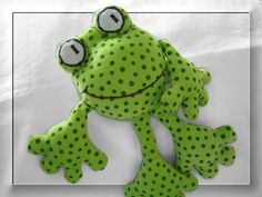 "Destrezza Toy - rattle-squeak Stuffed Frog ""Fridolin"" - 30 centimetri - un pezzo di design di mondi Gnome-Carina su DaWanda"