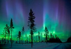 Questa strabiliante immagine è stata scattata a Kiruna, in Svezia, uno dei luoghi in cui è possibile ammirare gli straordinari colori dell'Aurora Boreale. I magnifici effetti luminosi sono accentuati dalle tempeste solari, in prossimità dei poli.