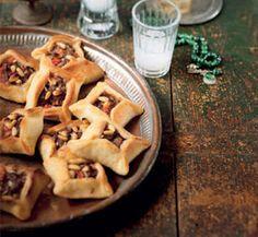 LEBANESE RECIPES: Open meat and tomato pies (Sfiha) recipe