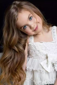 New Children Photography Girls Beautiful Pictures Baby Photos Ideas Beautiful Little Girls, Cute Little Girls, Beautiful Children, Little Girl Photography, Children Photography, Photography Flowers, Blonde Photography, Photography Ideas, Cute Baby Girl Pictures
