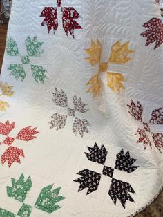I love traditional quilt block patterns. xxx 6a0120a5f3f908970b01bb0824fe3a970d-pi 674×898 pixels