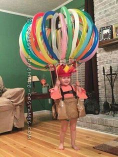 DIY Hot Air Balloon Costume via Pretty My Party If you're looking for creative DIY Halloween Costumes For Kids, this list is perfect. Get easy and quick ideas for DIY Kids Halloween costumes. Homemade Halloween Costumes, Halloween Tags, Halloween Costume Contest, Holidays Halloween, Baby Halloween, Halloween Decorations, Costume Ideas, Vintage Halloween, Halloween 2017