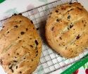 Sun-dried Tomato and Olive Bread - Thermomix Super Kitchen Machine Thermomix Bread, Tomato Bread, Olive Bread, Bread Rolls, Dried Tomatoes, Sun Dried, Food Videos, Bread Recipes
