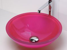 Oohh!  Hot pink glass sink!  Don't think my bf will go for a washroom this colour haha