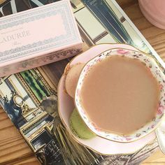 Had such a wonderful time in London yesterday visiting Buckingham Palace. Exhausted today, but enjoying an English Afternoon Tea (from Buckingham Palace), with @maisonladuree macaroons, while reading @harpersbazaarus 🇬🇧