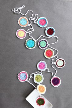 Mokkasin: crochet garland