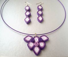 Items similar to Purple & white geometric set in quilling on Etsy Paper Quilling Earrings, Quilling Work, Quilled Paper Art, Quilling Flowers, Paper Jewelry, Paper Beads, Jewelry Crafts, Jewelry Art, Handmade Jewelry