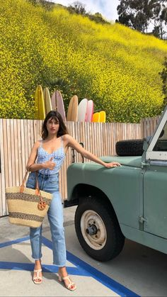 Jeanne Damas in L.A wearing the Rouje Roccio mules. Parisian Summer, Parisian Chic, Jeanne Damas, Normcore Outfits, Style Personnel, French Girl Style, Looks Vintage, French Fashion, Pretty Outfits