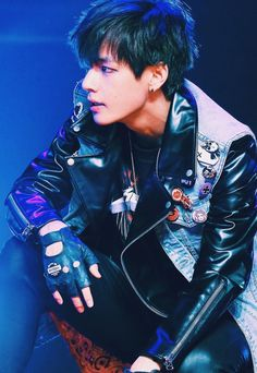 BTS Kim Taehyung - with black hair for a change!! As much as he suits colours, its nice to see natural... he suits anything..