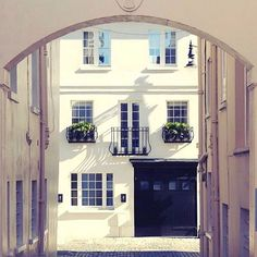 Carriage House, London, Portrait, Home Fashion, Cool Designs, Home And Garden, Mansions, House Styles, Refurbishment