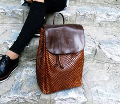Brown Leather Backpack Purse, Genuine Leather Brown Backpack - pinned by… Leather Backpack Purse, Leather Bag, Purses And Handbags, Leather Handbags, Brown Backpacks, Leather Backpacks, White Purses, Casual Bags, Leather Accessories