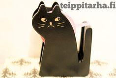Musta kissa teippirullateline