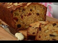 This Mincemeat Cake is a moist fruit cake studded with pieces of sweet almond flavored marzipan. With Demo Video Quick Bread Recipes, Banana Bread Recipes, Cake Recipes, Dessert Recipes, Mincemeat Cake Recipe, Easy Banana Bread, Easy Bread, New Year's Cake, Mince Meat