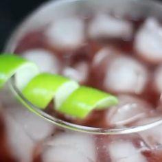 Catuaba atômica é o drink de hoje!  Esse é pra dar uma energia nesse sábado   Marca um amigo que gosta de catuaba.  #bebidiberada #catuaba #catuabaselvagem #drink #drinks #coqueteis Fruit, Instagram, Food, Meal, Eten, Hoods, Meals