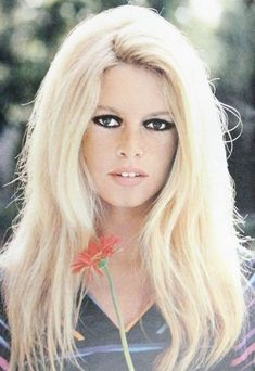 What a gorgeous color pic of Brigitte Bardot! For all things Classic Hollywood, visit my website! Brigitte Bardot, Bridget Bardot, Hollywood Stars, Classic Hollywood, Hollywood Fashion, Bardot Hair, Belle Photo, Hollywood Actresses, Beautiful Actresses