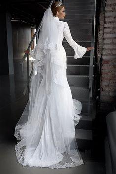 Long sleeves wedding dress. Elegant wedding by AutumnSilkBridal