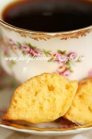 dailydelicious: Orange Madeleine: Little cake for relaxing afternoon.