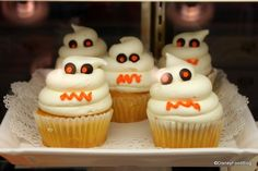 Disney Ghost Cupcake...had one of these at Mickey's Not So Scary Halloween Party 2010! YUM!