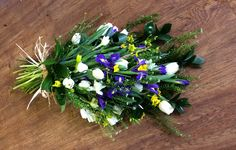Coffin-spray-with-spring-flowers.jpg (2592×1651)