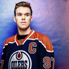 Oilers are ginna flood the Ducks pond with oil! Connor Mcdavid, Edmonton Oilers, Field Hockey, National Hockey League, Hockey Players, Ice Hockey, Cute Guys, Ducks, Sports Teams
