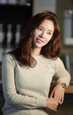Hwang Jeong-eum (황정음) - Picture @ HanCinema :: The Korean Movie and Drama Database Korean Actresses, Actors & Actresses, Korean Beauty, Asian Beauty, Hwang Jung Eum, Han Ji Min, Yoo In Na, Korean Shows, Korean Celebrities