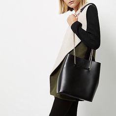 Sac bourse en cuir noir avec bride en chaîne - Sacs en bandoulière - Maroquinerie - Femme
