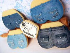 Denim cookies. Some seriously nice hiney's here. Love all the different pockets.