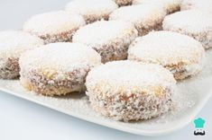 Learn how to make alfajores Cookies with this delicious and easy recipe. They are called alfajores and they have existed in some shape or form in many cultures for. Holiday Desserts, Fun Desserts, Dessert Recipes, Venezuelan Food, Cakes And More, Sweet Recipes, Cookie Recipes, Food To Make, Bakery