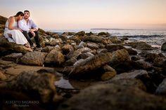 #FotodelDía #EngegementSession Pilar & Fran en #Alicante  #Nikon D4 f:.1.4 1/1250 seg ISO 100. Objetivo Nikon 35 mm. f. 1.4 Flash: Disparado.  Foto: Geni Lasso  Enjoy  #HowItsMade #Prebodas #JustOneShoot  Mucho más en albertosagrado.com