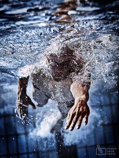 Powerful swimmer by Junya Nishigawa on 500px