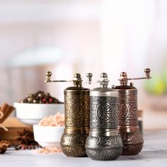 Black Pepper and Spice Grinder, Manual Pepper Mill with Handle – CRYSTALIA GLASS Coffee Presentation, Tea Warmer, Pepper Tree, Ground Coffee Beans, Irish Coffee Mugs, Arabic Coffee, Spice Grinder, Ice Cream Bowl, Oriental Pattern