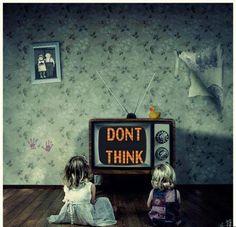 Eckhart Tolle elucida sobre a televisão