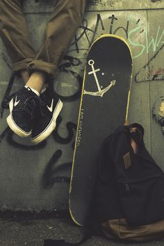skate anchor nike graffiti tag