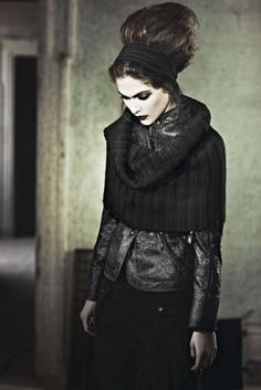 gothic leather and wool. Looks Style, Looks Cool, Style Me, Black Style, Dark Black, Back To Black, Black Goth, Black Lips, Look Rock