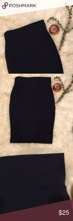 Philosophy body con skirt A beautiful midnight blue body con skirt. Good thick material. Worn only a few times! Philosophy Skirts Midi