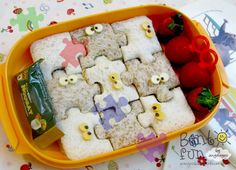 Puzzle sandwich cutters are one of my faves Cute Food, Good Food, Yummy Food, Sandwich Cutters, Kids Lunch For School, School Lunches, Edible Food, Lunch Box Recipes, Bento Box