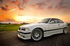 Povedená momentka, v hlavní roli BMW M3 (E36) #LEGEND #BMWstories