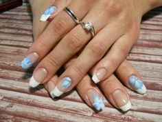 Katya-Nails Kombinierte Nagelmodellage French Weiß mit Hell blau Blumen