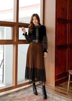 Korean Women`s Fashion Shopping Mall, Styleonme. Long Skirt Fashion, Long Skirt Outfits, Korean Fashion Dress, Korean Street Fashion, Korea Fashion, Modest Outfits, Classy Outfits, Asian Fashion, Look Fashion