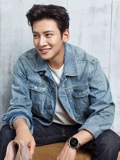 Korean stars Song Ji Hyo and Ji Chang Wook launches Fossil Q smartwatches - Page 3 of 3 - Marie Claire Malaysia Ji Chang Wook Abs, Ji Chang Wook Smile, Ji Chang Wook Healer, Ji Chan Wook, Korean Face, Korean Star, Korean Men, Park Hae Jin, Park Seo Joon