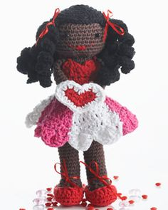 This adorable #crochet doll is a great idea to give your little girl for Valentine's day. She'll love it.