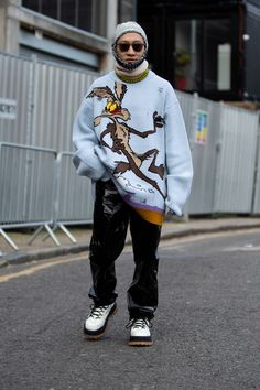 c3408cce4d5b London Fashion Week Men's Kicks off Street Style for 2019