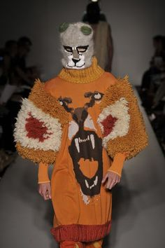 Lizzy Knits - Day by day!: Knits on the catwalk!