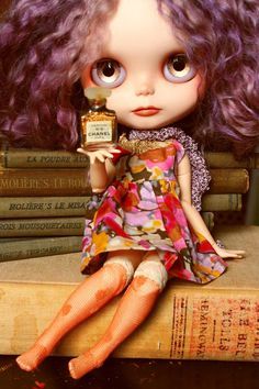 Micro Miniature Authentic CHANEL No. 5 Perfume par CupcakeCurio